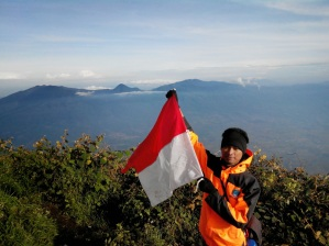 Merah Putih di Atap Garut, Gunung Cikuray 2821 mdpl