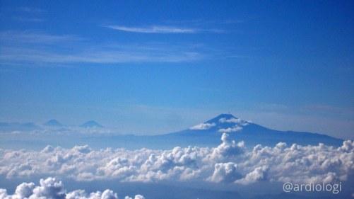 Puncak Gunung 3S (Sindoro-Sumbing-Slamet)