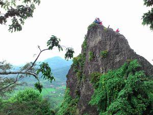 Sisi lain puncak Munara