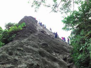 Puncak Munara sebelum dipanjat
