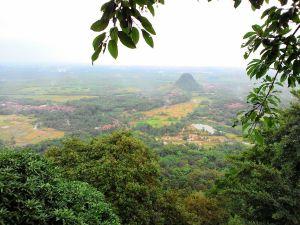 Pemandangan dari Puncak Munara