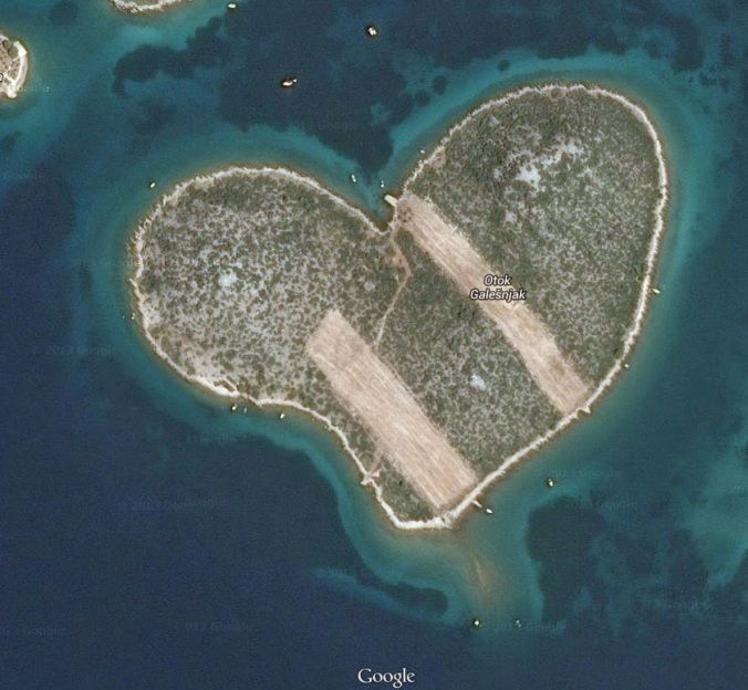 heart-shaped2bisland